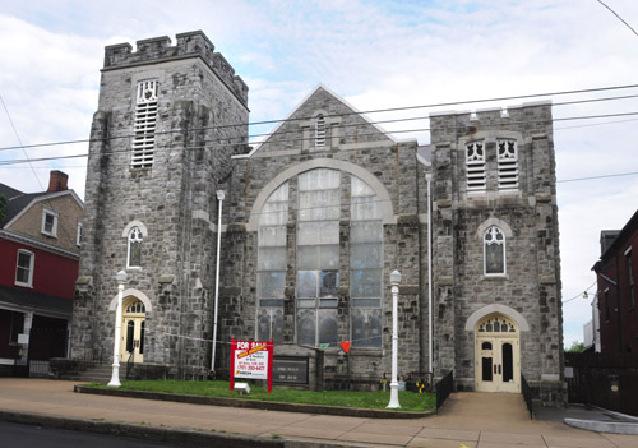 The former Memorial Presbyterian Church at 420 S. Queen. (Photo/Hertzler).
